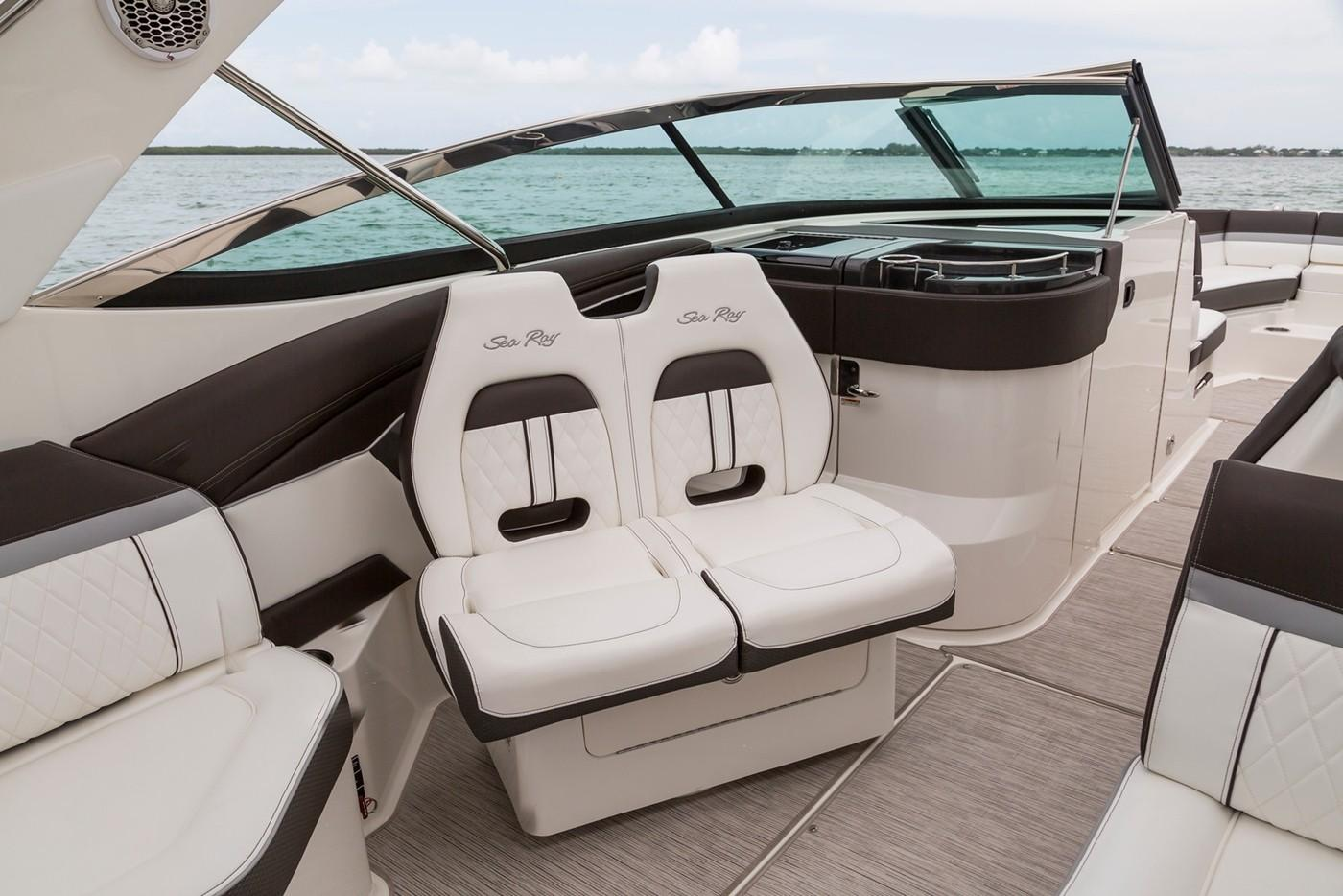 2020 Sea Ray SLX 350 OB in Holiday, Florida - Photo 9