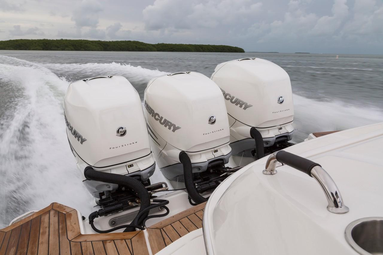 2020 Sea Ray SLX 350 OB in Holiday, Florida - Photo 15