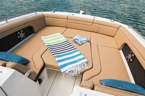 2020 Sea Ray SDX 290 Outboard in Holiday, Florida - Photo 6