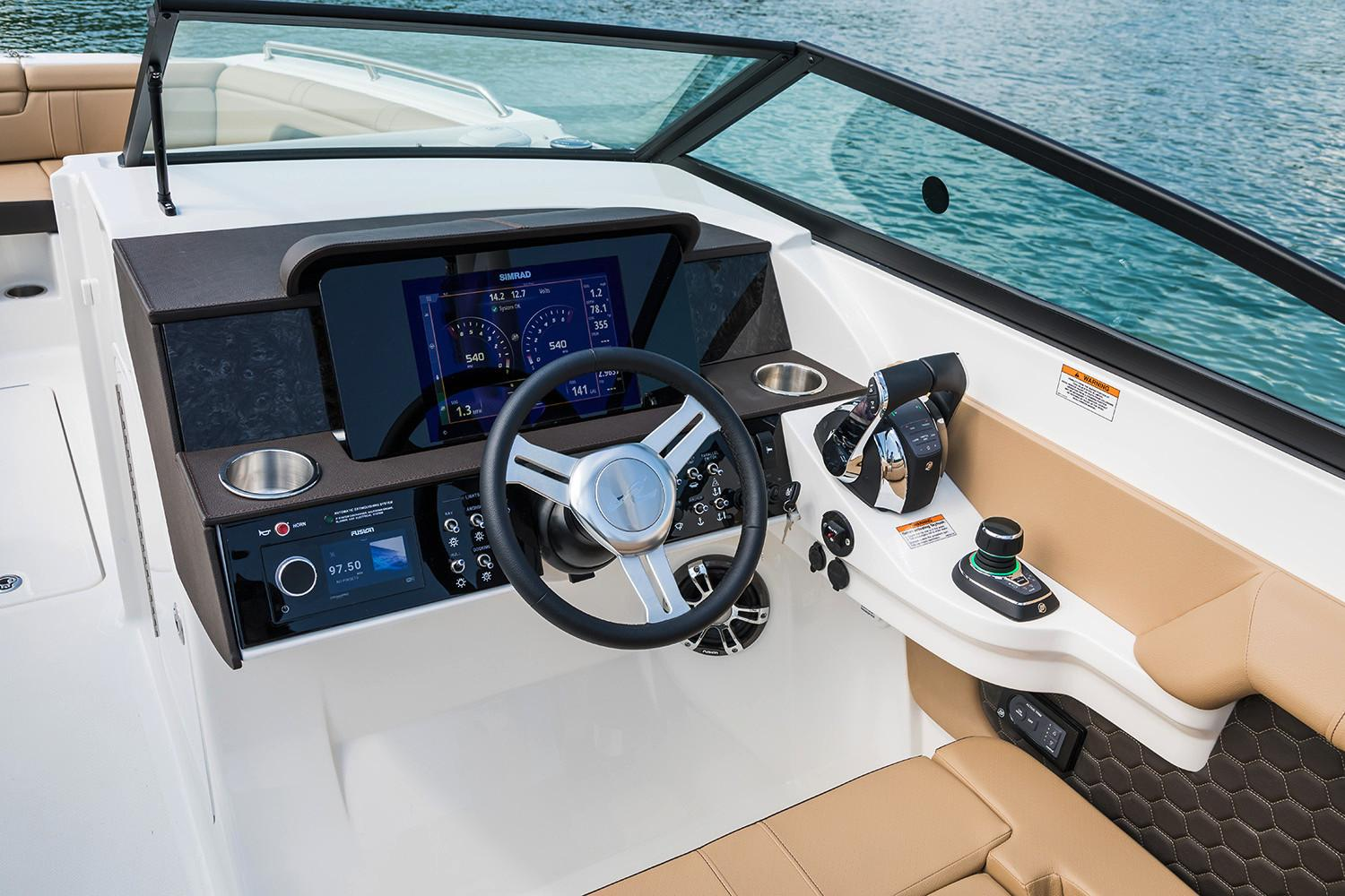 2020 Sea Ray SDX 290 Outboard in Holiday, Florida - Photo 11