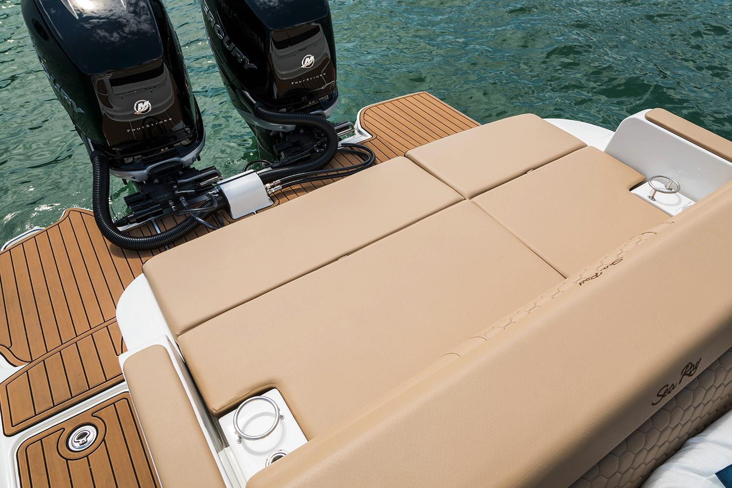 2020 Sea Ray SDX 290 Outboard in Holiday, Florida - Photo 20