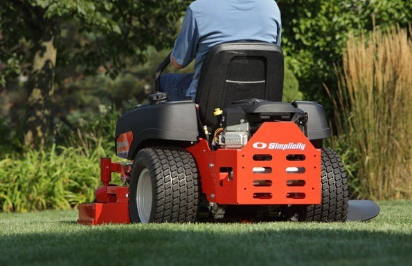 2013 Simplicity ZT3500 Zero Turn Lawn Mower in Glasgow, Kentucky