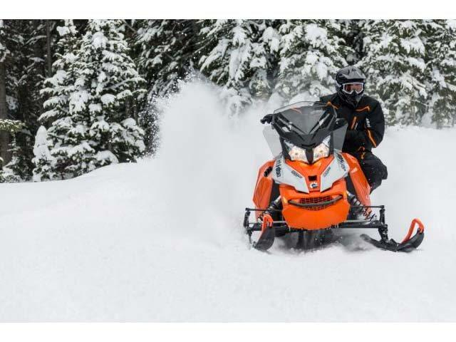 2015 Ski-Doo Renegade® Adrenaline™ E-TEC® 600 H.O. in Fond Du Lac, Wisconsin - Photo 8