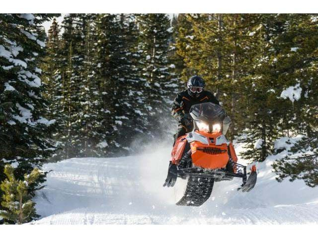 2015 Ski-Doo Renegade® Adrenaline™ E-TEC® 600 H.O. in Fond Du Lac, Wisconsin - Photo 9