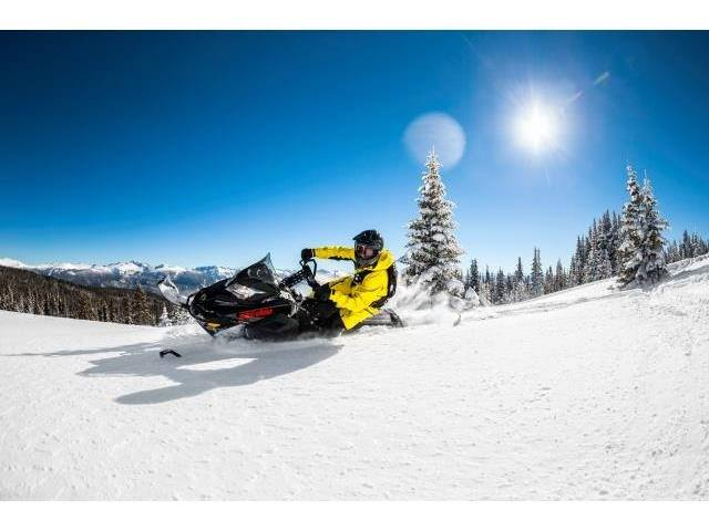 "2016 Ski-Doo Summit SP 163 800R E-TEC E.S., PowderMax 2.5"" in Dickinson, North Dakota"