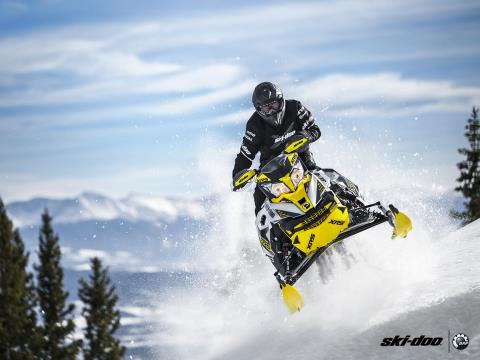 "2016 Ski-Doo Renegade X-RS 800R E-TEC ES w/ Adj. pkg, Ripsaw 1.5"" in Osseo, Minnesota - Photo 13"