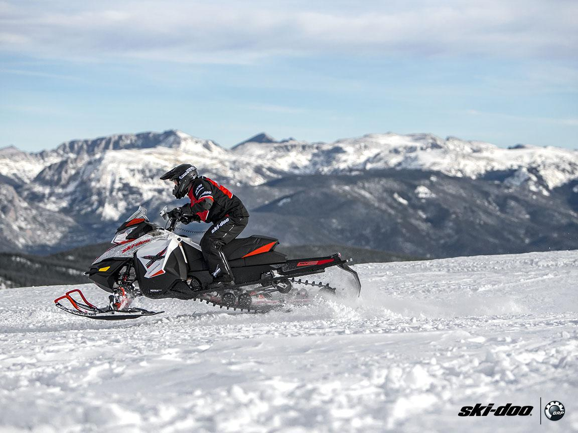 2016 Ski-Doo Renegade X 600 H.O. E-TEC ES w/ Adj. pkg, Ripsaw in Dickinson, North Dakota