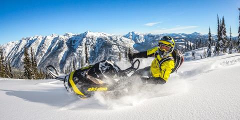 "2017 Ski-Doo Summit X 154 850 E-TEC E.S., PowderMax 3.0"" in Dickinson, North Dakota"