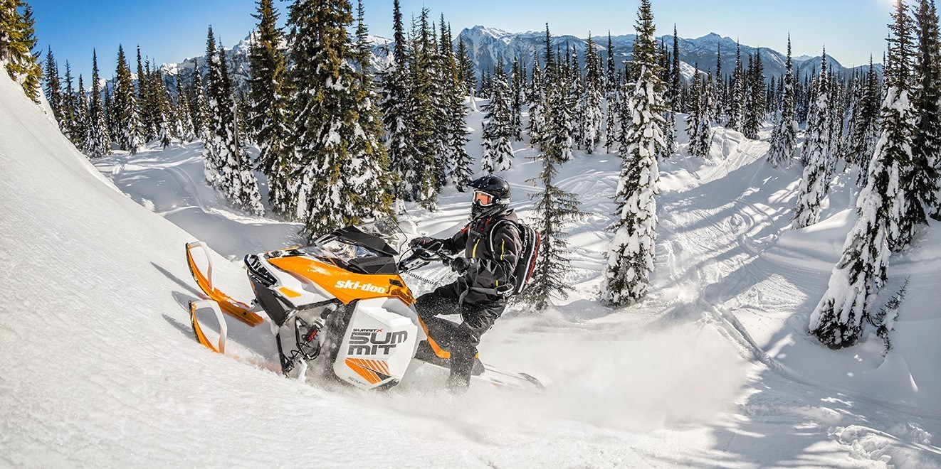 "2017 Ski-Doo Summit X 174 800R E-TEC E.S., PowderMax 3.0"" in Conway, New Hampshire"