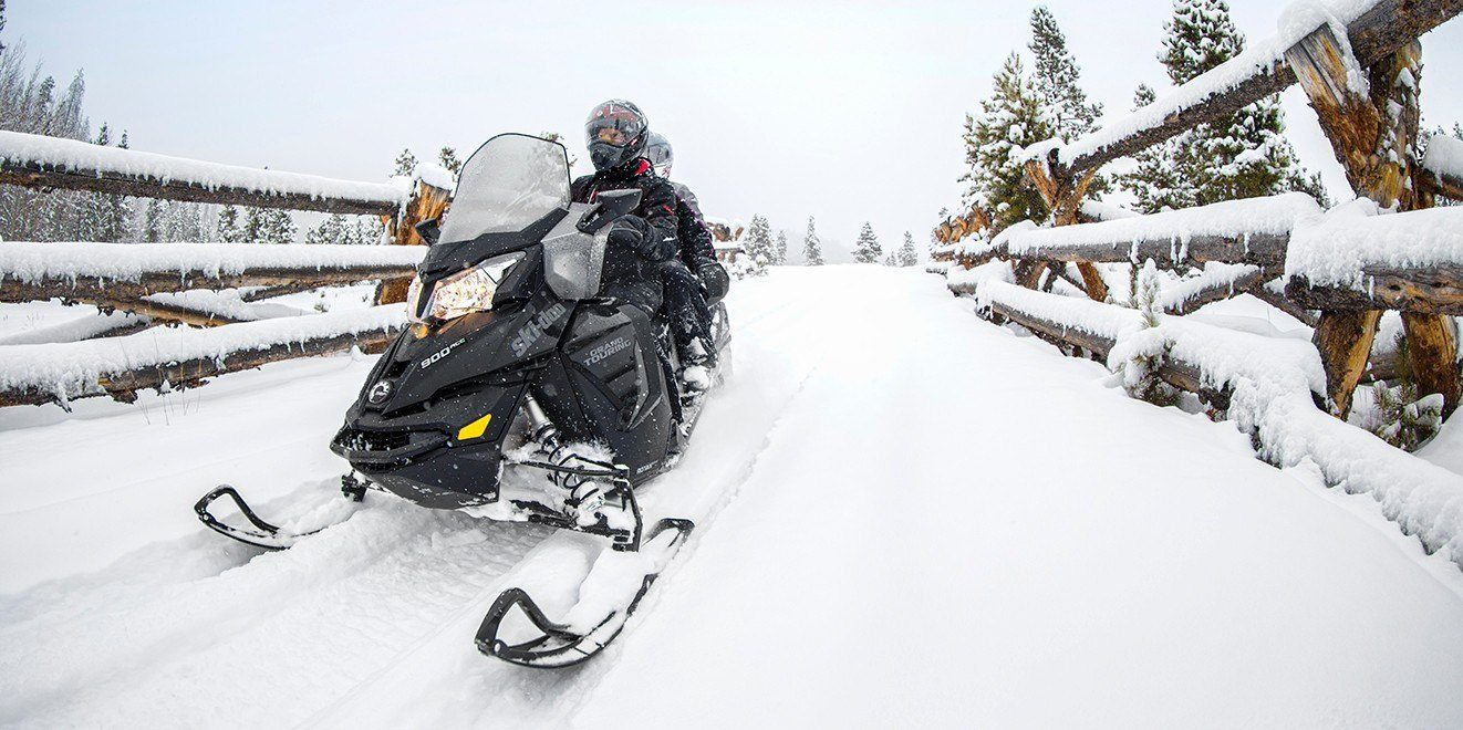 2017 Ski-Doo Grand Touring LE 600 H.O. E-TEC in Unity, Maine
