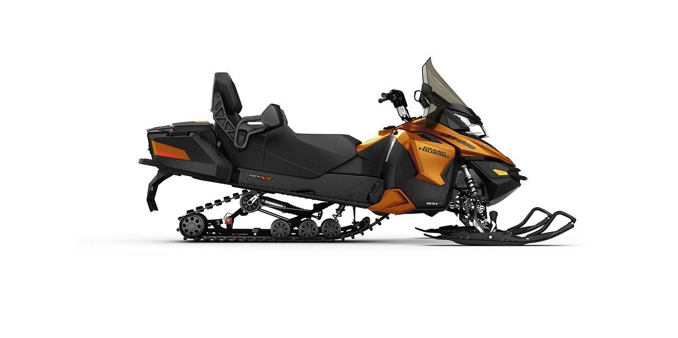 2017 Ski-Doo Grand Touring SE 1200 4-TEC in Mars, Pennsylvania