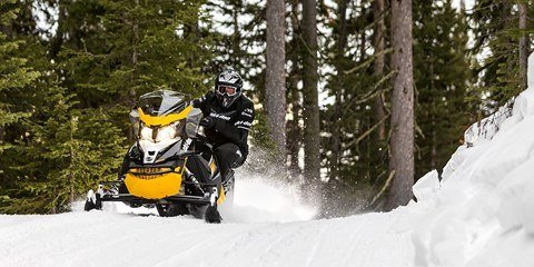 2017 Ski-Doo MXZ Blizzard 600 H.O. E-TEC in Barre, Massachusetts