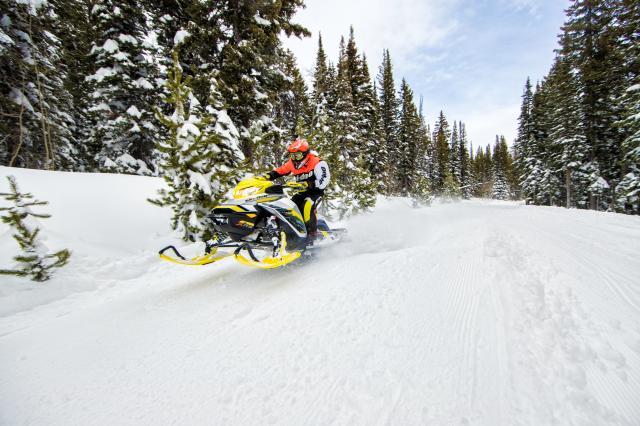 2017 Ski-Doo MXZ X-RS 800R E-TEC w/ Adj. Pkg. Ice Ripper XT in Hanover, Pennsylvania