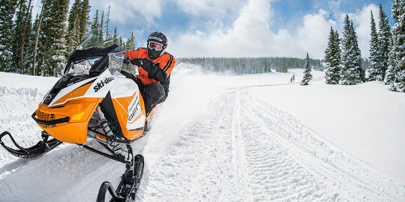 2017 Ski-Doo Renegade Adrenaline 600 H.O. E-TEC E.S. in Colebrook, New Hampshire