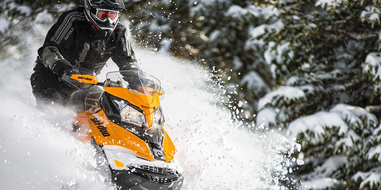 2017 Ski-Doo Renegade X 600 H.O. E-TEC E.S. w/ Adj. pkg. Ice Ripper XT in Pendleton, New York