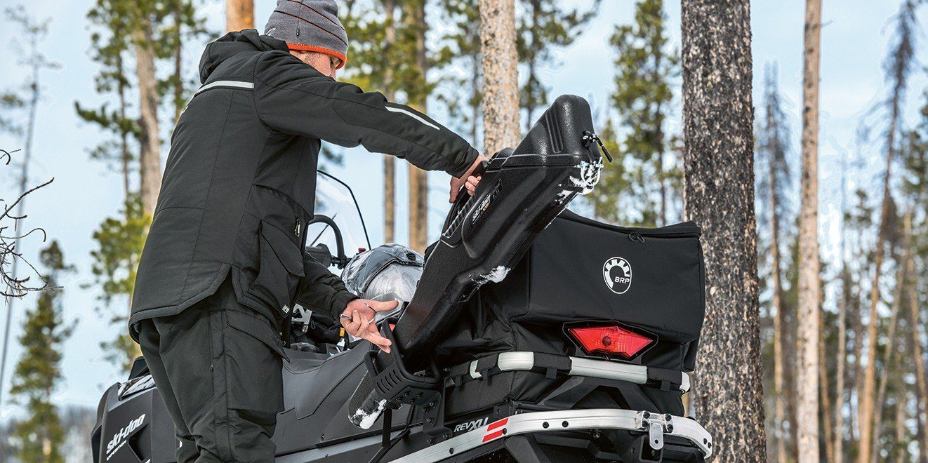 2017 Ski-Doo Expedition LE 900 ACE in Conway, New Hampshire