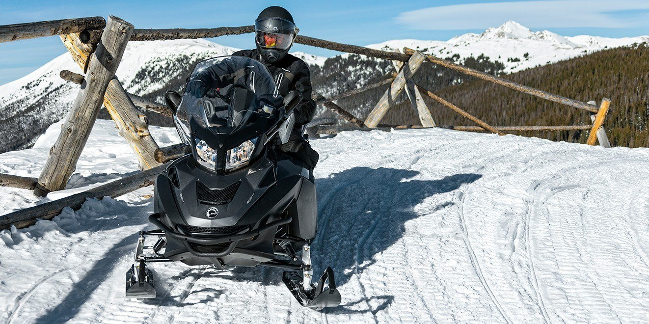 2017 Ski-Doo Expedition SE 1200 4-TEC in Pendleton, New York