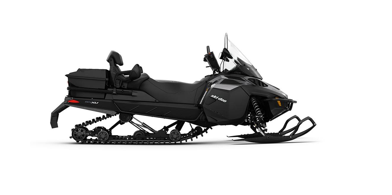 2017 Ski-Doo Expedition SE 600 H.O. E-TEC in Augusta, Maine