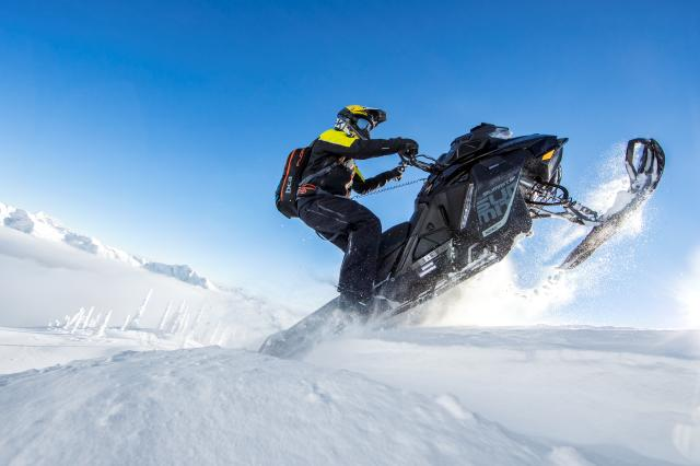 2018 Ski-Doo Summit SP 154 850 E-TEC SS, PowderMax Light 2.5 in Presque Isle, Maine
