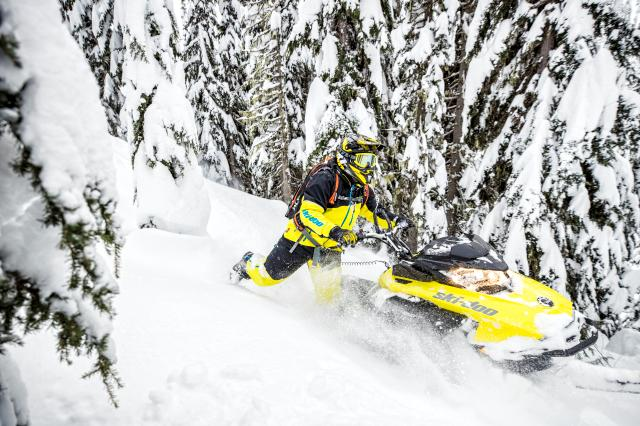 2018 Ski-Doo Summit SP 165 850 E-TEC SS, PowderMax Light 3.0 in Speculator, New York
