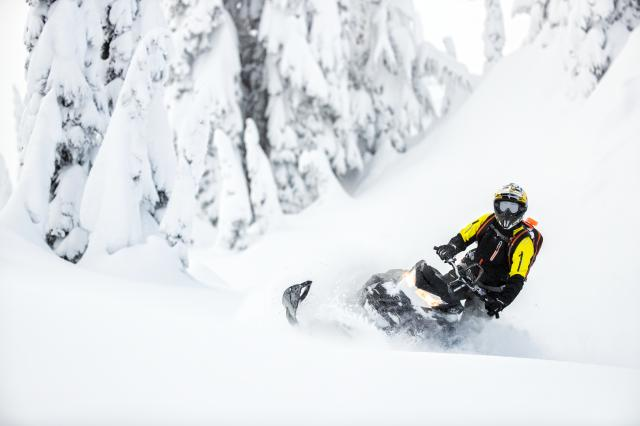 2018 Ski-Doo Summit SP 165 850 E-TEC SS, PowderMax Light 3.0 in Elk Grove, California