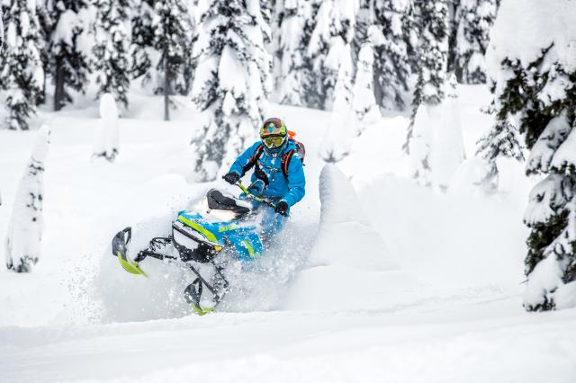 2018 Ski-Doo Summit X 165 850 E-TEC ES, PowderMax Light 2.5 S_LEV in Island Park, Idaho