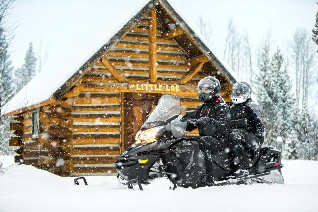 2018 Ski-Doo Grand Touring LE 1200 4-TEC ES Ripsaw 1.25 STIS in Fond Du Lac, Wisconsin - Photo 2