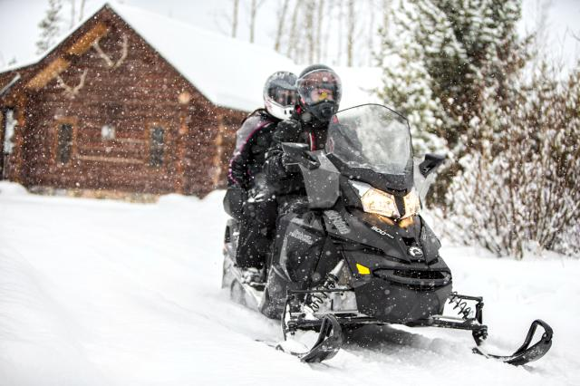 2018 Ski-Doo Grand Touring LE 600 HO E-TEC ES Ripsaw 1.25 STIS in Pendleton, New York