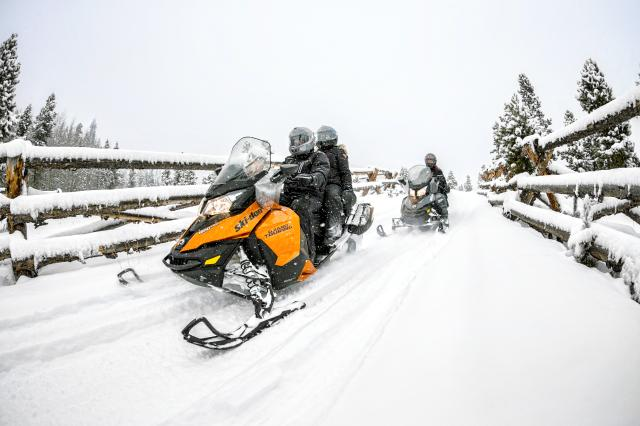 2018 Ski-Doo Grand Touring Sport ES in Evanston, Wyoming