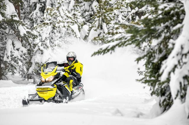 2018 Ski-Doo MXZ Blizzard 1200 4-TEC in Menominee, Michigan