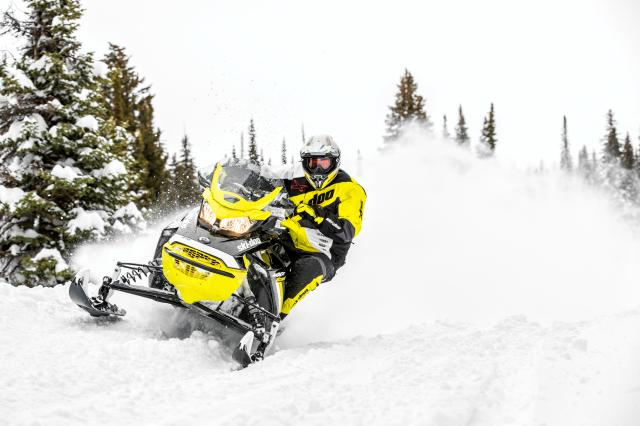 2018 Ski-Doo MXZ Blizzard 1200 4-TEC in Clinton Township, Michigan