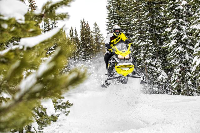 2018 Ski-Doo MXZ Blizzard 600 HO E-TEC in Clarence, New York - Photo 4