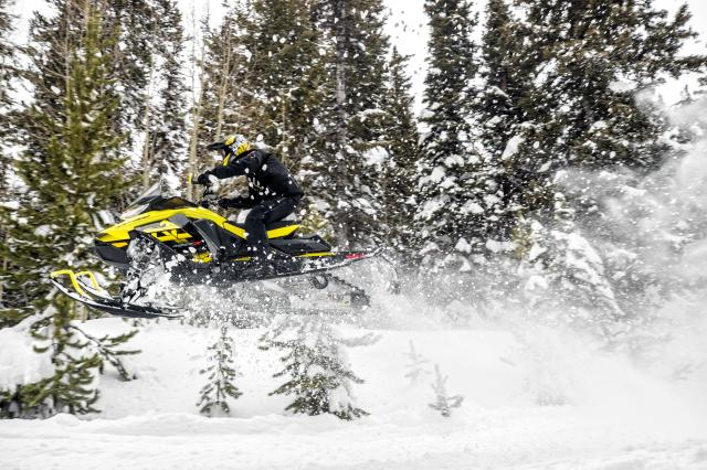 2018 Ski-Doo MXZ X 850 E-TEC Ice Ripper XT 1.25 in Colebrook, New Hampshire