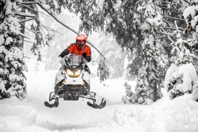2018 Ski-Doo Renegade Adrenaline 600 H.O. E-TEC in Clarence, New York - Photo 6