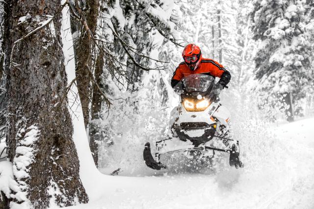 2018 Ski-Doo Renegade Adrenaline 600 H.O. E-TEC in Colebrook, New Hampshire