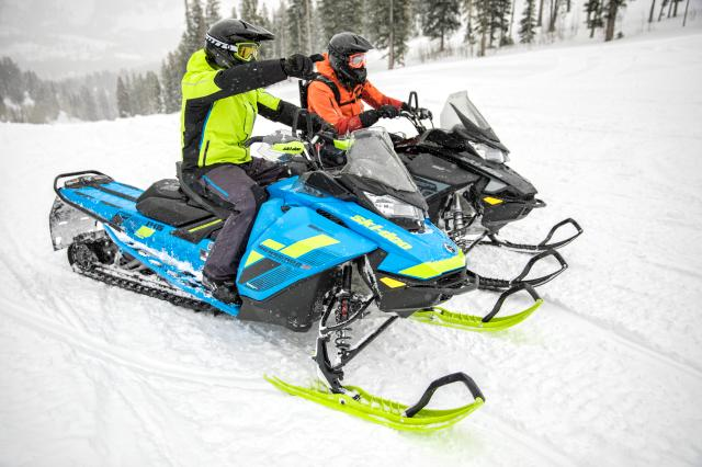 2018 Ski-Doo Renegade Sport 600 Carb in Unity, Maine