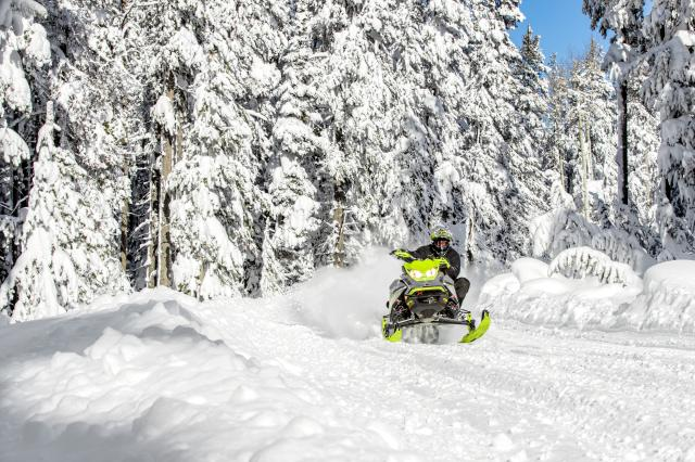 2018 Ski-Doo Renegade X-RS 850 E-TEC ES w/ Adj. Pkg. Ice Cobra 1.6 in Conway, New Hampshire