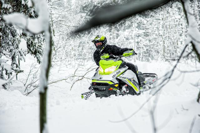 2018 Ski-Doo Renegade X-RS 850 E-TEC ES w/ Adj. Pkg. Ice Cobra 1.6 in Billings, Montana