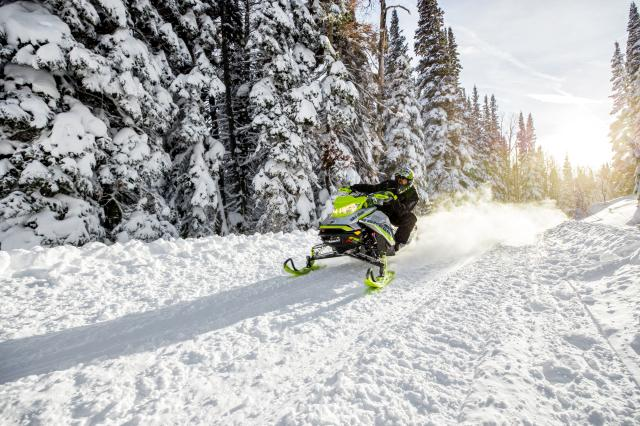 2018 Ski-Doo Renegade X-RS 850 E-TEC ES w/ Adj. Pkg. Ripsaw 1.25 in Toronto, South Dakota