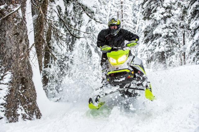 2018 Ski-Doo Renegade X-RS 850 E-TEC ES w/ Adj. Pkg. Ripsaw 1.5 in Moses Lake, Washington