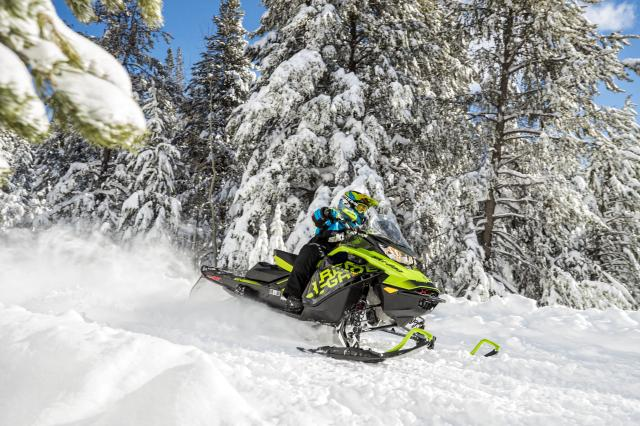 2018 Ski-Doo Renegade X 1200 4-TEC ES w/ Adj. Pkg Ice Ripper XT 1.25 in Brookfield, Wisconsin