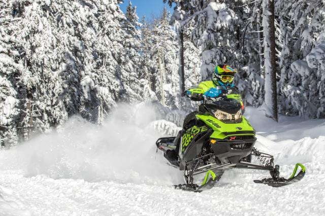 2018 Ski-Doo Renegade X 600 HO E-TEC ES w/ Adj. Pkg Ice Ripper 1.25 in Fond Du Lac, Wisconsin - Photo 2