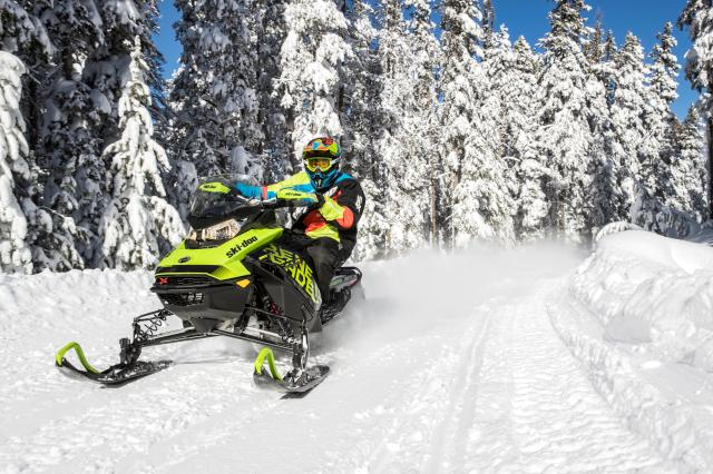 2018 Ski-Doo Renegade X 600 HO E-TEC ES w/ Adj. Pkg Ice Ripper 1.25 in Moses Lake, Washington