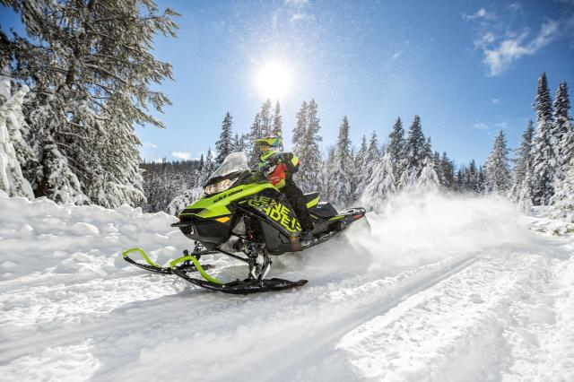 2018 Ski-Doo Renegade X 600 HO E-TEC ES w/ Adj. Pkg Ice Ripper 1.25 in Colebrook, New Hampshire