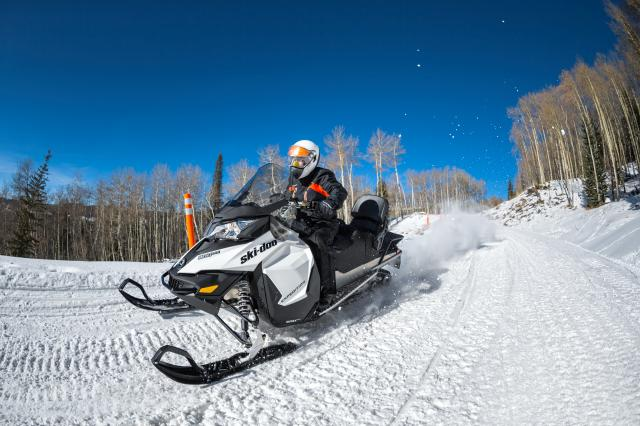 2018 Ski-Doo Expedition Sport 550F in Grimes, Iowa