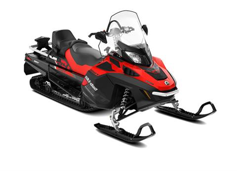 2018 Ski-Doo Expedition SWT in Lancaster, New Hampshire