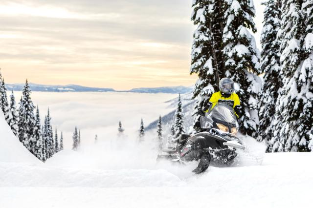 2018 Ski-Doo Skandic SWT 900 ACE in Fond Du Lac, Wisconsin - Photo 6