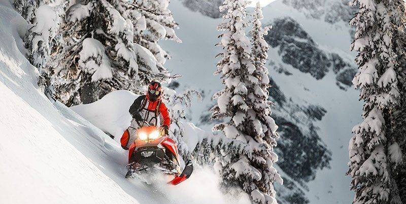 2019 Ski-Doo Summit SP 154 600R E-TEC SHOT PowderMax Light 3.0 w/ FlexEdge in Island Park, Idaho