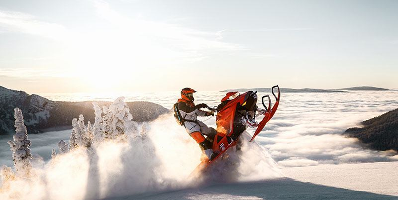 2019 Ski-Doo Summit X 154 850 E-TEC PowderMax Light 2.5 w/ FlexEdge HA in Land O Lakes, Wisconsin