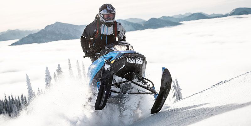 2019 Ski-Doo Summit X 165 850 E-TEC PowderMax Light 3.0 H_ALT in Sierra City, California